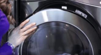 Οι Τρίχες από το Αγαπημένο σας Κατοικίδιο Μένουν στα Ρούχα σας Ακόμα και Μετά το Πλύσιμο; Δοκιμάστε Αυτά τα Έξυπνα Κόλπα!