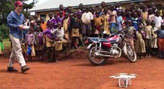 Δείτε πως αντιδρούν τα παιδιά στην Αφρική όταν βλέπουν Drone να πετά για πρώτη φορά.