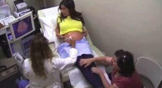 Πήγε στο νοσοκομείο για να δει το υπερηχογράφημα της εγκύου κόρης της. Αυτό που αντίκρισε ξεπερνά κάθε φαντασία!
