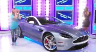 Απίστευτη αντίδραση νεαρής κοπέλας που κέρδισε μια Aston Martin σε τηλεπαιχνίδι