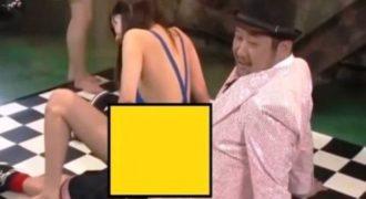 Το τερμάτισαν στα τηλεπαιχνίδια οι Ιάπωνες: Δείτε τι προσπαθεί να κάνει αυτή η κοπέλα και θα χάσετε το μυαλό σας! (VIDEO)
