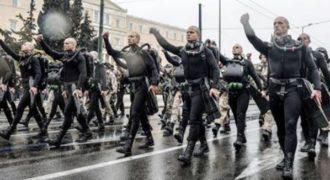 Τα συνθήματα των ΟΥΚ στην παρέλαση της 25ης Μαρτίου που προκάλεσαν σεισμικές αντιδράσεις.