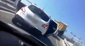 Έτσι λύνει τα προβλήματά του Τούρκος φορτηγατζής (Βίντεο)