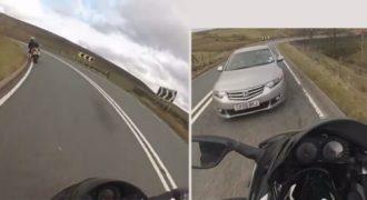 Αυτά παθαίνεις όταν τρέχεις με μηχανή σε κλειστές στροφές! (Βίντεο)