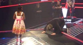 Μόλις άρχισε να τραγουδάει έκανε τον κριτή να πέσει στα γόνατα και να υποκλιθεί. Και είναι μόλις 6 ετών!!!
