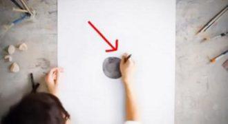 Χωρίς να σηκώσει το χέρι του από το χαρτί, ξεκίνησε να σχεδιάζει ένα φαύλο κύκλο. Το αποτέλεσμα; Ένα αριστούργημα!
