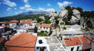 Το ελληνικό χωριό που δεν φοβάται τον «χάρο» μέσα από ένα φοβερό εναέριο βίντεο.