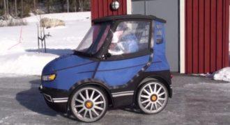 Μοιάζει με ένα μικροσκοπικό αυτοκίνητο, αλλά όταν ανοίγει την πόρτα; Θα πάθετε πλάκα! (Video)
