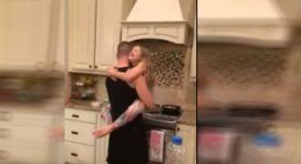 Το βίντεο που θα σας συγκινήσει: Ο χορός ενός πατέρα με την κόρη του στην κουζίνα!