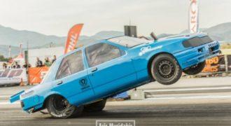 Κρήτη: Το αυτοκίνητο πήγαινε στις δύο ρόδες για 200 μέτρα! (Βίντεο)