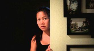Ανακοίνωση εγκυμοσύνης που θυμίζει… ταινία τρόμου (Video)