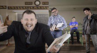 Αυτό είναι το καλύτερο Rap Battle μεταξύ των Καθηγητών VS Μαθητών. (Ελληνική Έκδοση)