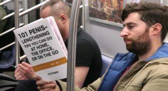 Αυτός ο τύπος διαβάζει ψεύτικα βιβλία για να δει πως αντιδρούν οι επιβάτες. (Βίντεο)