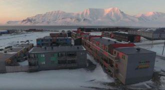 Longyearbyen, η βορειότερη πόλη στη Γη. (Βίντεο)