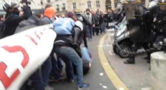 Έχετε ακούσει με γαλλική προφορά το σύνθημα «μπάτσοι-γουρούνια-δολοφόνοι»; Αν όχι ήρθε η ώρα (Video)