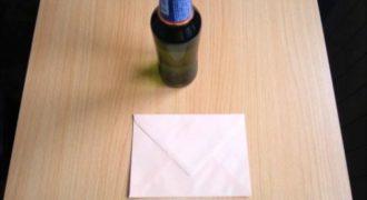 Πώς να ανοίξετε ένα μπουκάλι μπύρας με ένα φάκελο (Βίντεο)