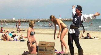 Ο Remi Gaillard τρελαίνει κόσμο σε ρόλο πειρατή! (Video)