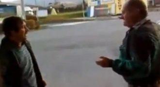Τρελά μπουνίδια από δυο τζόβενα…Τρελό γέλιο! (Βίντεο)