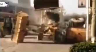 Βίντεο: Δείτε τον απίστευτο καβγά με… μπουλντόζες στην Κίνα