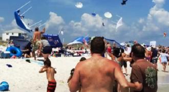 Δείτε τι επικράτησε σε μία παραλία, όταν από πάνω τους πέρασαν 2 μαχητικά αεροπλάνα…