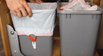 Έξυπνο κόλπο για την σακούλα σκουπιδιών (Video)