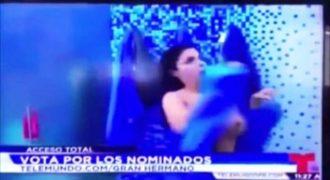 Χαμός στο δελτίο ειδήσεων: Έδειξε το πλούσιο Sτήθoς της στον αέρα και… (Video)