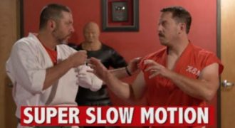 Tου έδωσε 100 μπουνιές μέσα σε 1 δευτερόλεπτο! Αξίζει να το δείτε! (video)