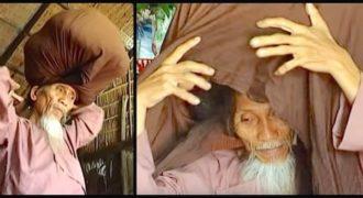 Ξετυλίγει το μαντήλι του και αποκαλύπτει τα μακρύτερα μαλλιά που έχετε δει ποτέ   Διαβάστε όλο το άρθρο: http://www.tilestwra.co