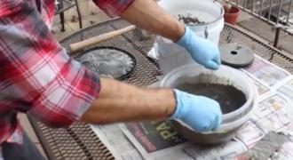 Ξεκίνησε ρίχνοντας τσιμέντο και νερό σε ένα πλαστικό μπολ: Το αποτέλεσμα; Καταπληκτικό! [video]