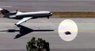 Απίθανη διάσωση αεροπλάνου από… αυτοκίνητο! [Βίντεο]