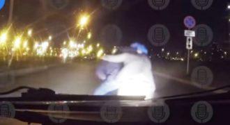Μια επίθεση «τρομακτικού» κλόουν εναντίον οδηγού στη Ρωσία δεν είχε το αποτέλεσμα που περίμενε ο ίδιος
