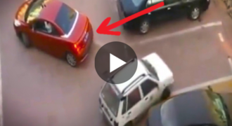 Τόλμησε να της Κλέψει την Θέση Parking μπροστά στα Μάτια της. Η Αντίδρασή της; ΕΠΙΚΗ..!