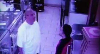 Πήγε να ρίξει μπουνιά στον υπάλληλο όμως εκείνος τον ξάπλωσε στο πάτωμα! (Video)
