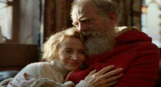 Ένα υπέροχο συγκινητικό χριστουγεννιάτικο σποτ με τη γυναίκα του Άη Βασίλη!