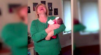 Έβαλαν αυτό το Νεογέννητο στην Αγκαλιά της. Μόλις όμως Κατάλαβε ΠΟΙΟΥ ήταν το Μωρό, Κατέρρευσε…