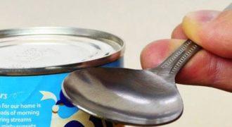 Πώς να ανοίξετε μια κονσέρβα χωρίς ανοιχτήρι