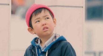 Συγκλονιστικό: Δείτε πώς αντιδρούν τα παιδιά όταν πέσει μπροστά τους ένα πορτοφόλι από κάποιον άγνωστο!!!-ΒΙΝΤΕΟ
