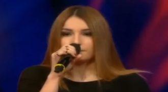 Ανατρίχιασε το κοινό με την ερμηνεία της: Ελληνίδα πήγε στο τούρκικο The Voice και είπε ελληνικό τραγούδι (video)