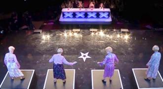 Οι κριτές δεν περίμεναν πολλά όταν 4 γιαγιάδες εμφανίστηκαν στη σκηνή. Μόλις όμως αρχίζει η μουσική δεν μπορούν να πιστέψουν στα μάτια τους