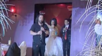 Νύφη κουκλάρα τρέλανε το διαδίκτυο με την είσοδό της! (Video)