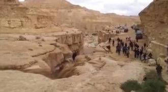 Το φαινόμενο του ποταμού Ζην στην έρημο Νεγκέβ στο Ισραήλ που περιγράφεται και στην Παλαιά Διαθήκη (Βίντεο)