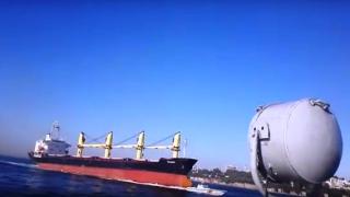 Ρώσικο πλοίο βύθιζε την τουρκική ακτοφυλακή στα στενά του Βοσπόρου (Video)