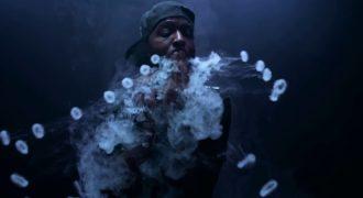 Μας Μάγεψε με τα Κόλπα που κάνει με την βοήθεια Καπνού! (Βίντεο)