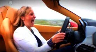 Ανέκδοτο! Η ξανθιά με τη Ferrari στο φανάρι και το γυφτάκι Πολύ Γέλιο
