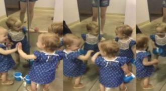 Μωρό Μιλά Στον Καθρέφτη Και Με Τους… Άλλους Τρεις Εαυτούς Του! -ΒΙΝΤΕΟ