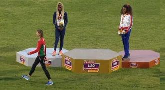 Έπαιξαν λάθος εθνικό ύμνο σε απονομή μεταλλίων και η νικήτρια κατέβηκε από το βάθρο και έφυγε