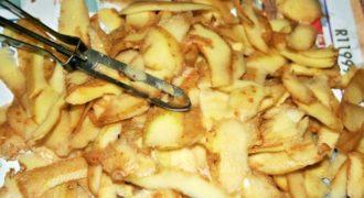 Μην πετάτε τις Φλούδες από τις Πατάτες όταν τις Καθαρίζετε. Δείτε ΠΩΣ θα τις μετατρέψετε σε ΚΑΤΙ αληθινά υπέροχο..!